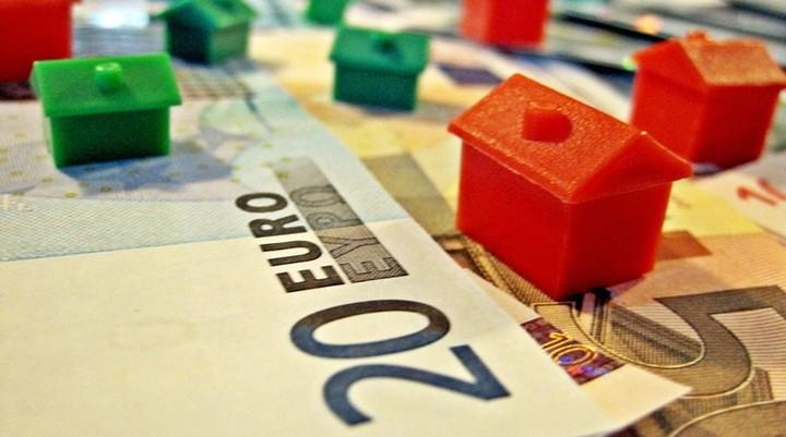 Τι προβλέπει και πώς θα ενταχθείτε στον νόμο Κατσέλη για τα υπερχρεωμένα νοικοκυριά