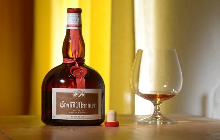 Ποιo πασίγνωστο brand αλκοολούχων ποτών εξαγοράζει την παραγωγό του Grand Marnier
