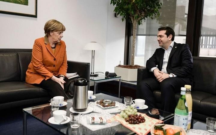 Συνάντηση Τσίπρα - Μέρκελ πριν τη Σύνοδο Κορυφής