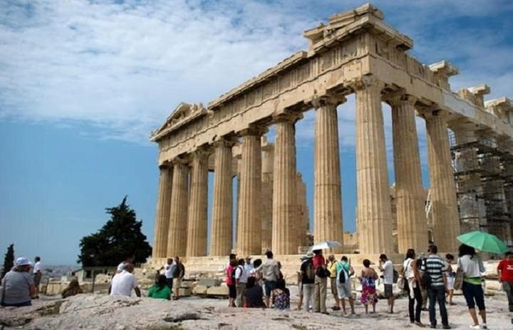 Σταθερό το τουριστικό ενδιαφέρον για την Αθήνα
