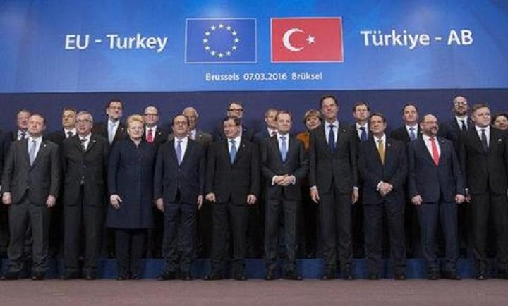 Ξαναρχίζει η Σύνοδος για να κλείσει η συμφωνία με την Τουρκία - Ποια είναι τα εμπόδια