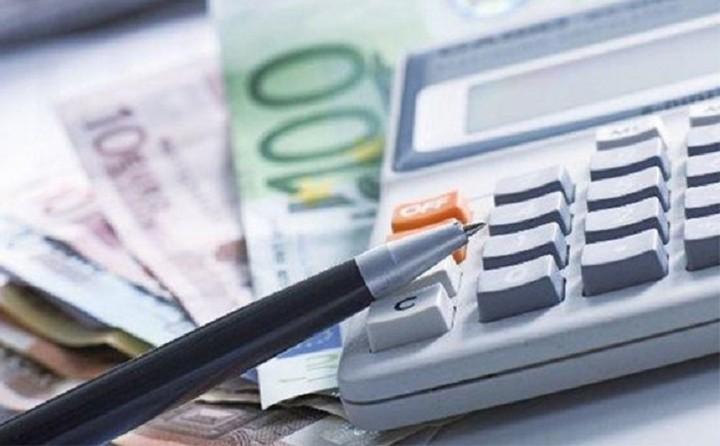 «Κλειδώνουν» οι νέοι φόροι - Έως 40% οι περικοπές στις συντάξεις