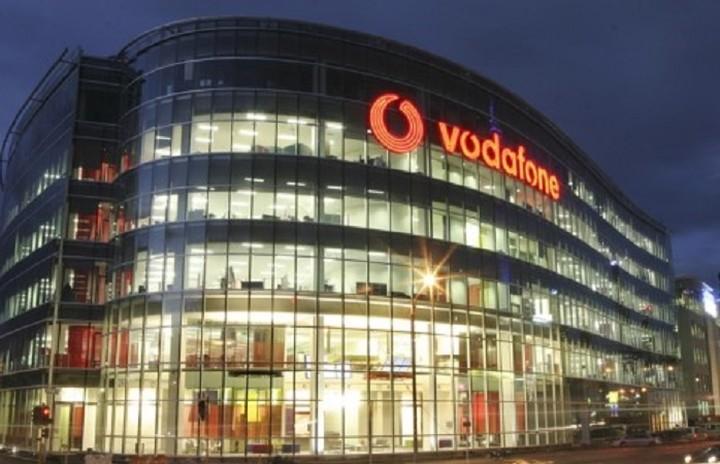 Η Vodafone δίνει τα χέρια με την Altice