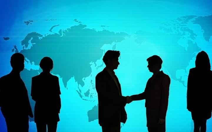 Οι ελληνικές εταιρείες που ψάχνουν την «επιβίωση» στην άλλη πλευρά του Ατλαντικού