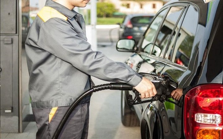 Φόρος… 70% (!) στην αμόλυβδη – Πόσο θα ακριβύνει η τιμή της βενζίνης