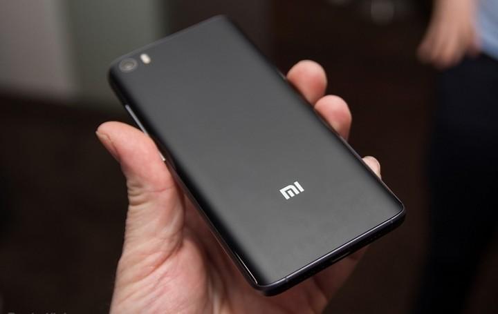 Τρυπάει με τρυπάνι το νέο Xiaomi Mi 5 - Δείτε στο βίντεο τι συνέβη