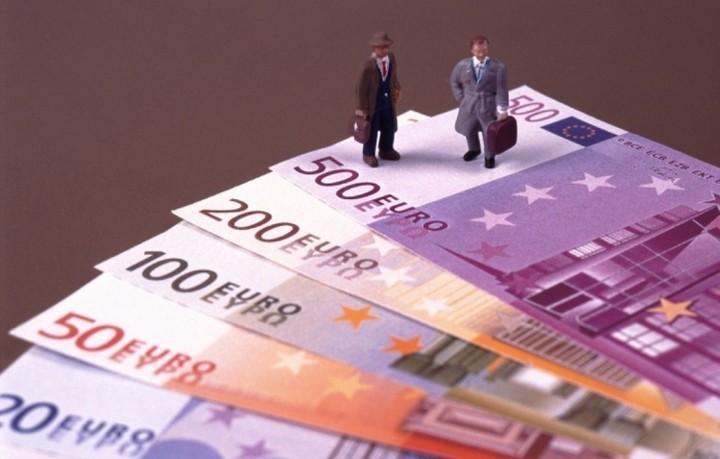 Μεγάλη βουτια 13,4% στις τραπεζικές καταθέσεις