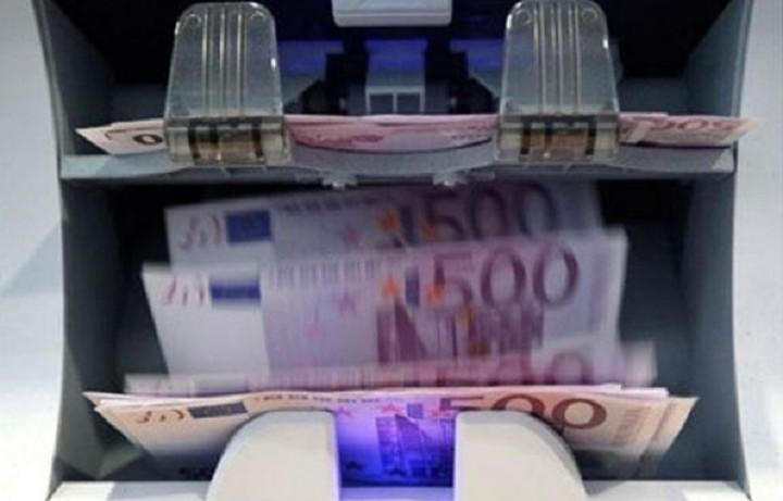 Τι προμήθεια κρατάνε οι τράπεζες για να «σπάσουν» ένα χαρτονόμισμα των €500