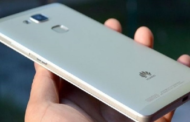 Πότε θα κυκλοφορήσει στην Ελλάδα το Huawei P9 και τι τιμή θα έχει