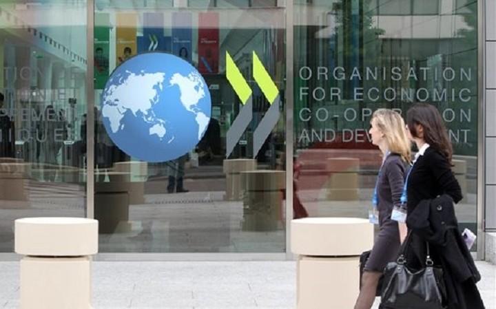 ΟΟΣΑ: Επιβαρυμένη η παγκόσμια ανάπτυξη