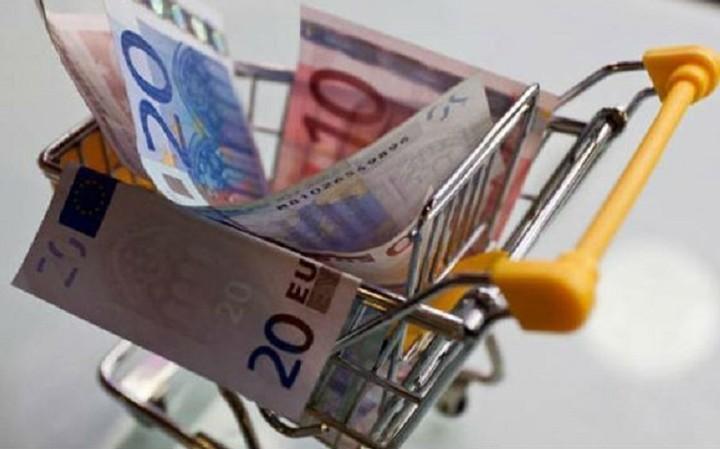 Πόσο θα κοστίσει στα νοικοκυριά η αύξηση του ΦΠΑ στο 24%