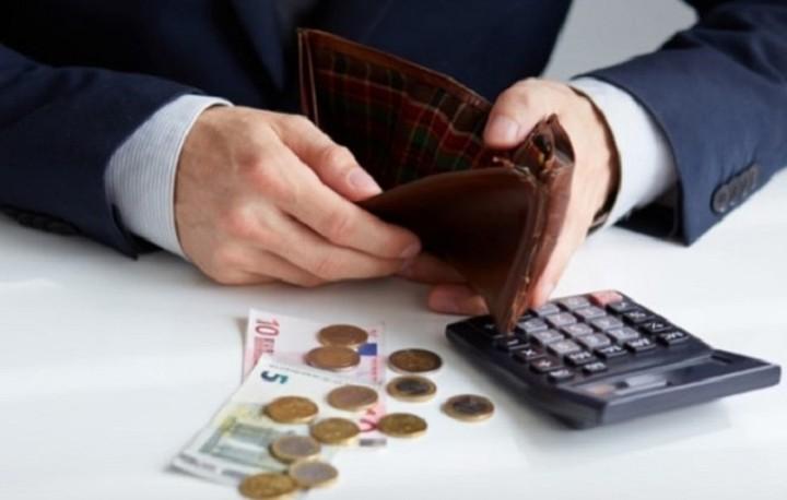 Οι «επιπτώσεις» στο πορτοφόλι μας από την αύξηση του ΦΠΑ