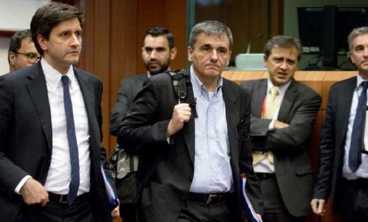 Με το βλέμμα στο Εurogroup η κυβέρνηση - Φόβοι για επιπλέον μέτρα