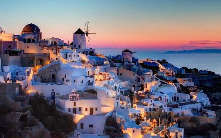Οκτώ ελληνικά νησιά στους 10 κορυφαίους νησιωτικούς προορισμούς της Ευρώπης
