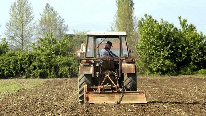 Τι αλλάζει στο ασφαλιστικό των αγροτών