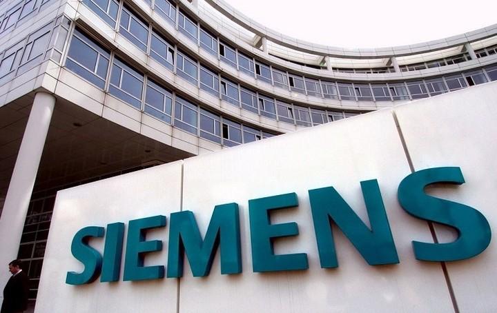 «Ελεύθερη πτώση» στα κέρδη της Siemens