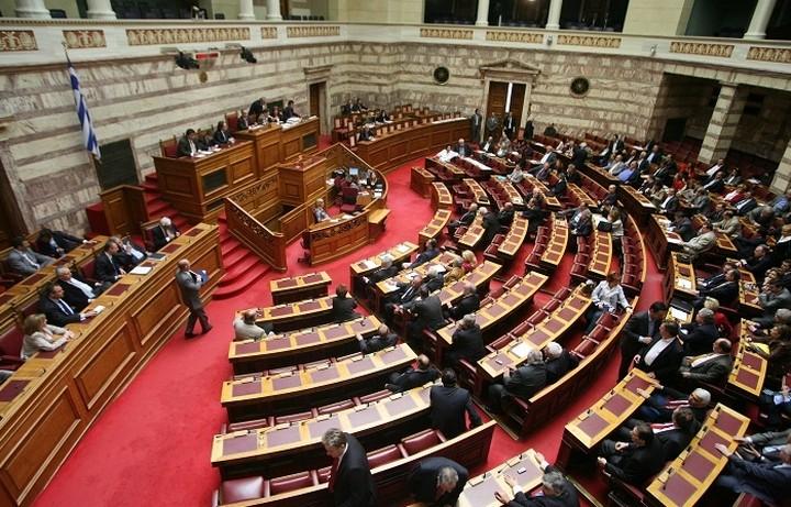 Η κυβέρνηση φέρνει στη Βουλή το Ασφαλιστικό