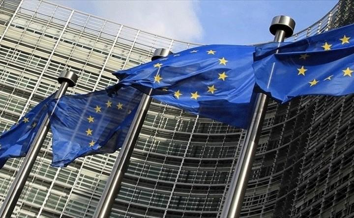 Κομισιόν: H Ελλάδα θα ζητήσει γραπτή δέσμευση για ελάφρυνση του ελληνικού χρέους