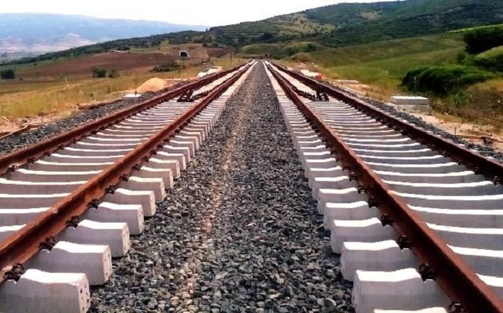 Γιατί πάγωσαν οι επενδύσεις στις σιδηροδρομικές γραμμές