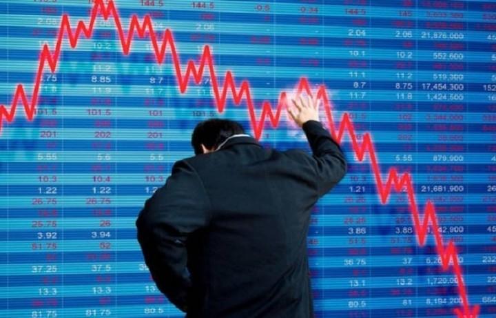 Ποια χώρα με ισχυρή οικονομια κινδυνεύει με χρηματοοικονομική καταστροφή