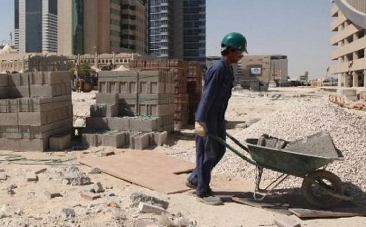 Εργασία σε 33.000 μετανάστες θα προσφέρει το Κατάρ ενόψει Μουντιάλ