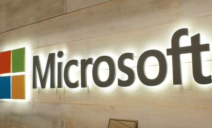 Η Microsoft αποσύρεται από τη πώληση smartphones