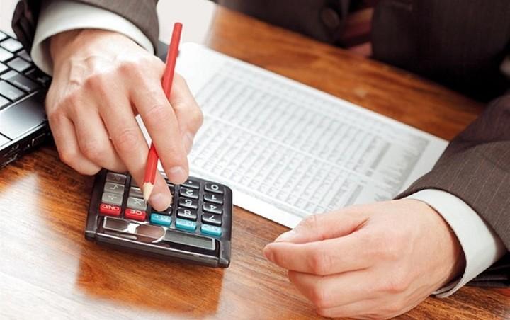 Κι άλλοι φόροι για να μην γίνουν μειώσεις μισθών στο δημόσιο – Τι άλλαξε