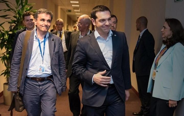 Αξιολόγηση και χρέος στο κρίσιμο Eurogroup