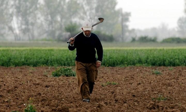 Στο στόχαστρο 350.000 φορολογούμενοι αγρότες