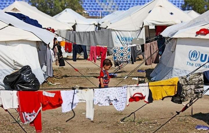 ΟΗΕ: Οι πρόσφυγες στην Ελλάδα ζούν στριμωγμένοι σε παραμελημένες αποθήκες