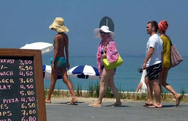 Εκτιμάται ότι θα επισκεφτούν 1 εκατ. Σέρβοι την Ελλάδα το καλοκαίρι