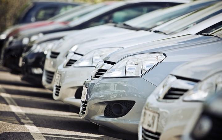 Πως θα βγάλετε εισόδημα έως 3.000€ από ...το αυτοκίνητο σας!