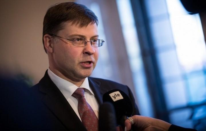 Ντομπρόβσκις: Εντός του μήνα η εκταμίευση της δόσης