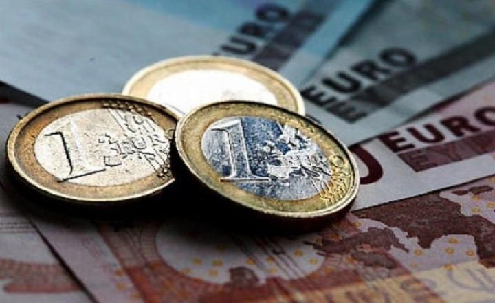 Η Ελλάδα παραμένει μια ακριβή χώρα για τους πολίτες της