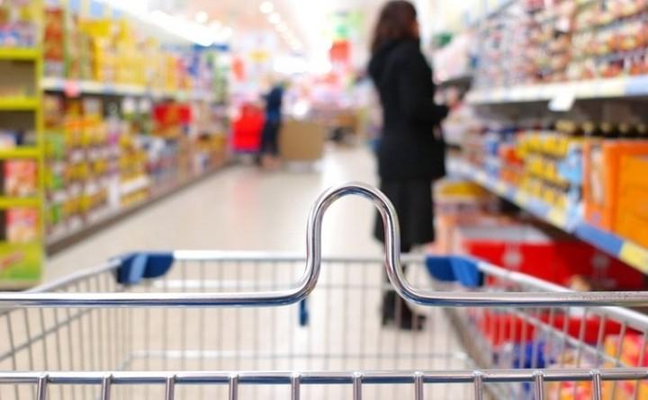 Πώς η αύξηση του ΦΠΑ στην Ελλάδα γεμίζει τα σουπερμαρκετ της Βουλγαρίας