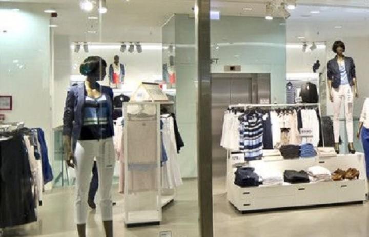 Μεγάλη πτώση στις πωλήσεις γνωστής αλυσίδας ρούχων