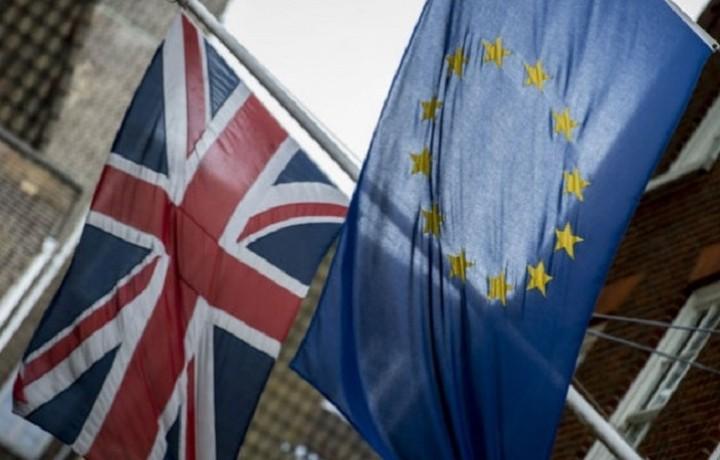 Σήμερα το ιστορικό δημοψήφισμα για την παραμονή της Βρετανίας στην ΕΕ