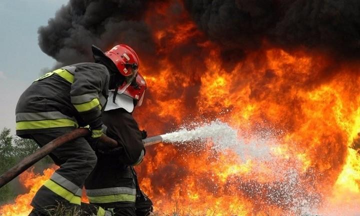 Φωτιά στα Δερβενοχώρια- Κατέπεσε πυροσβεστικό αεροσκάφος
