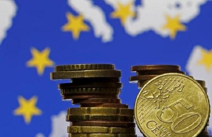 Άνοδος στο δανεισμό εταιριών και νοικοκυριών στην Ευρωζώνη