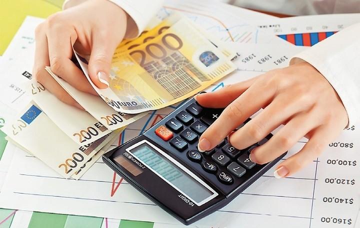 Πώς εφαρμόζεται η έκπτωση φόρου σε γονείς με εξαρτώμενα τέκνα
