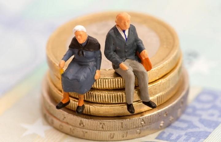 Ποιοι συνταξιούχοι χάνουν έως πέντε συντάξεις το χρόνο