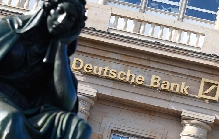 Γιατί η Deutsche Bank απειλεί την παγκόσμια οικονομία
