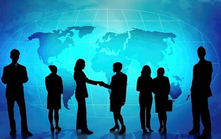 Την «μετανάστευση» επιλέγει το 39% των ελληνικών επιχειρήσεων