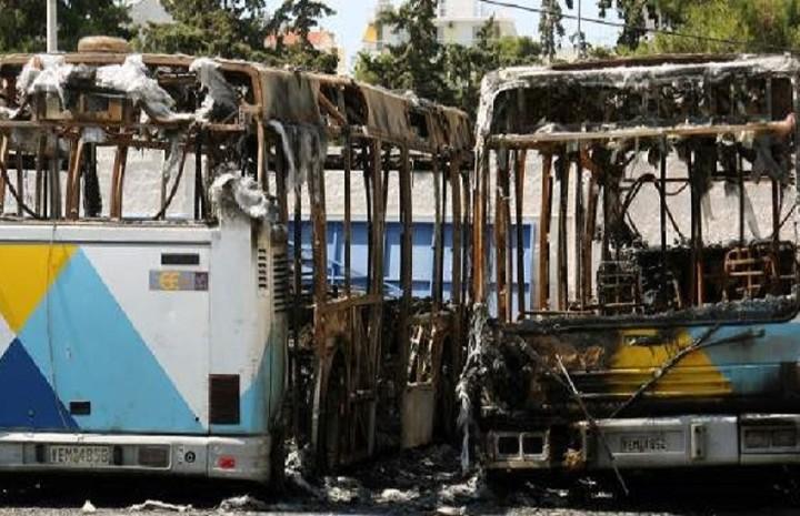 «Χρυσή» αποζημίωση θα δώσει το Δημόσιο για τα 2 λεωφορεία της ΕΘΕΛ που κάηκαν