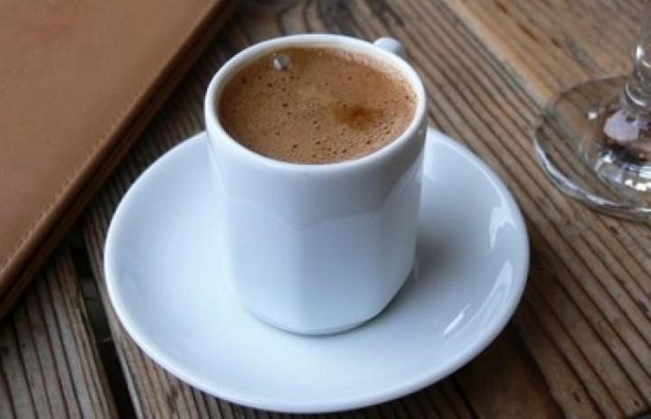 Κατακόρυφη αύξηση στη τιμή του ελληνικού καφέ