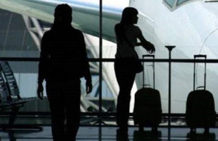 Γιατί οι νέοι Έλληνες αναζητούν εργασία στο εξωτερικό