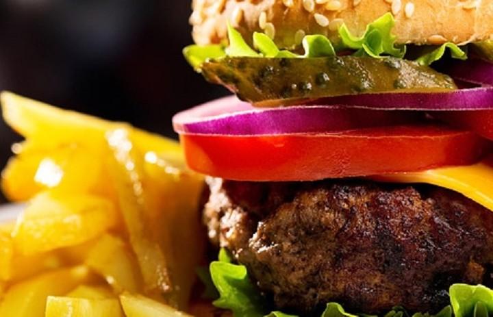 Ποια αλυσίδα fast food βλέπει τις πωλήσεις της να πέφτουν