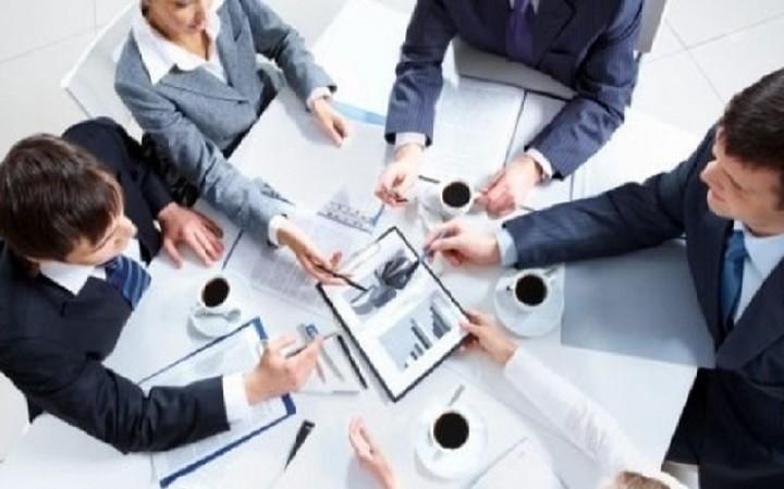 Σε ποιες επιχειρήσεις θα γίνουν αναγκαστικές αναδιαθρώσεις και πότε