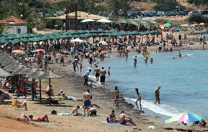 Ιδού ποιες τέσσερις παραλίες της Αττικής κρίθηκαν ακατάλληλες