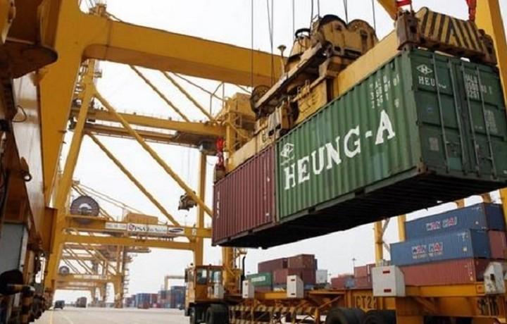 «Τρύπα» στις εξαγωγές για τις επιχειρήσεις παγκοσμίως